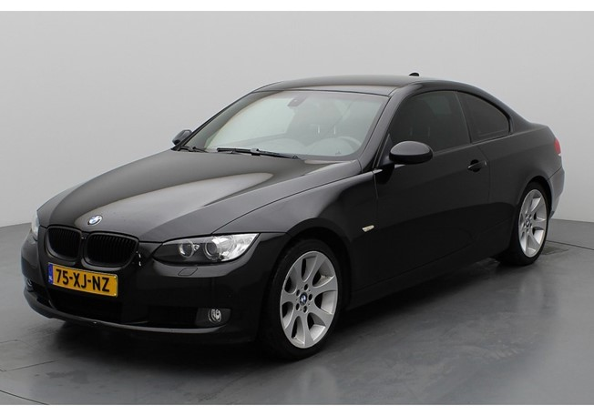BMW 3 Serie 320i Introduction